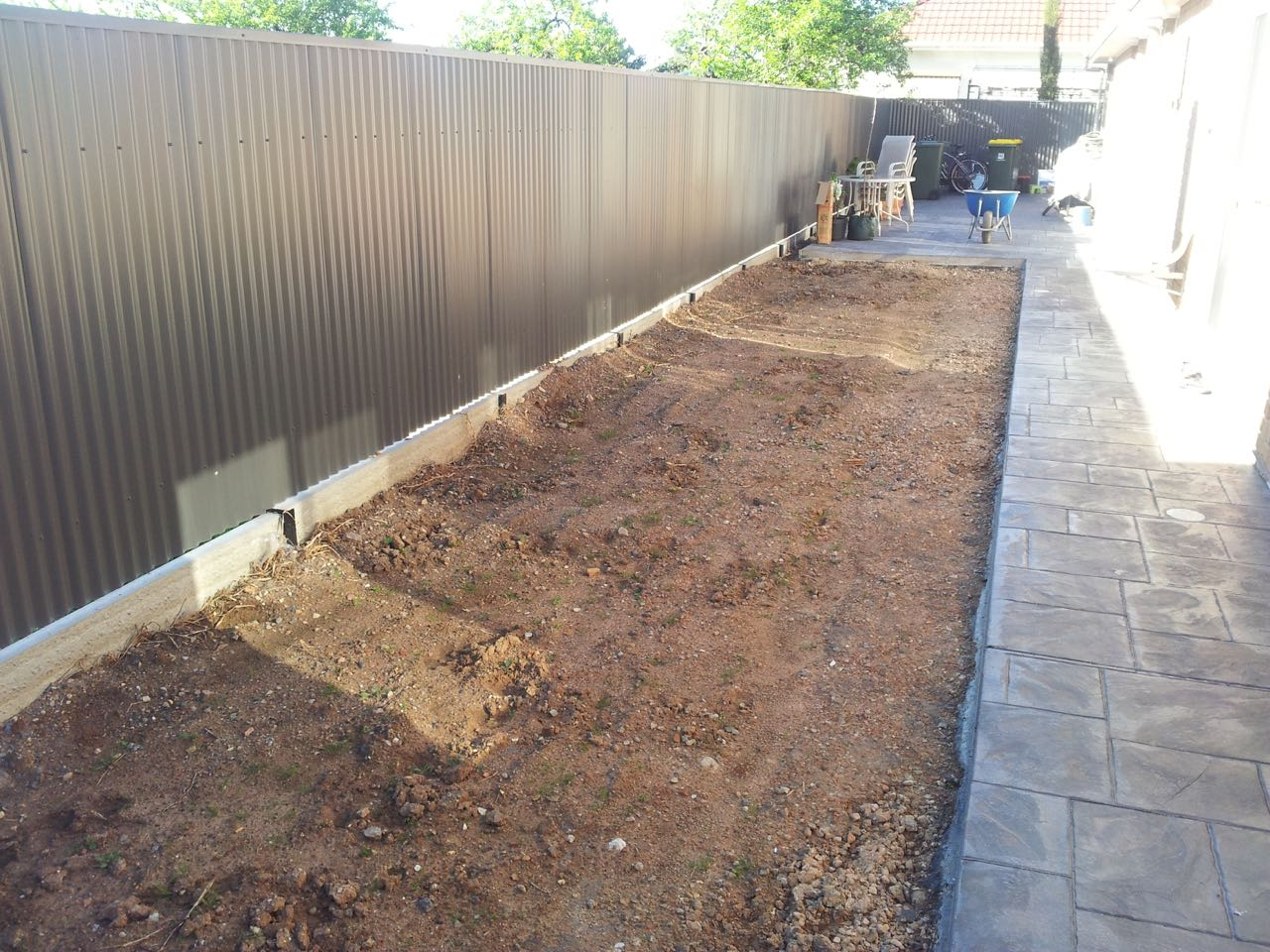 Kilburn - Groundwork For Flat Bed With Bark Chips