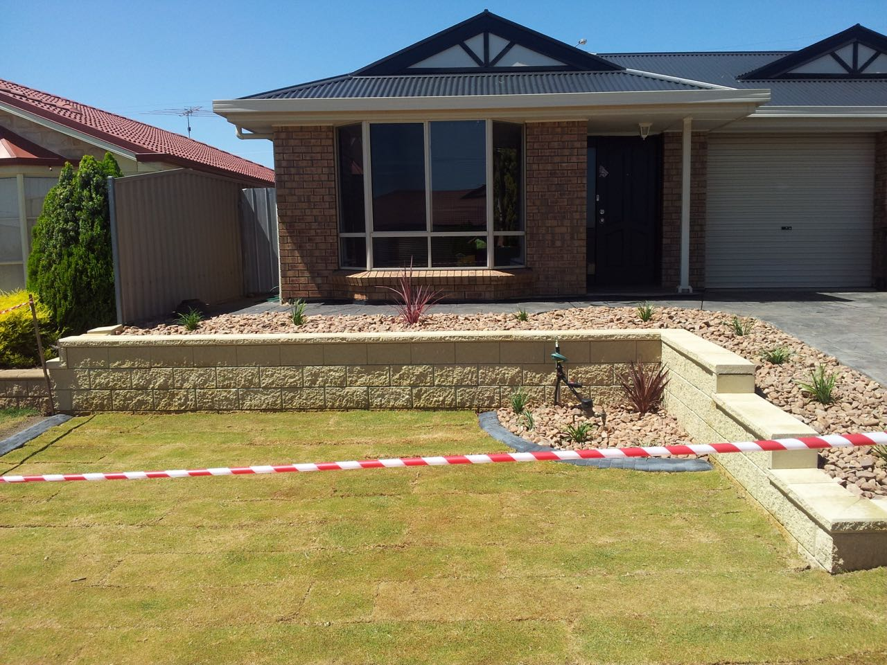 Craigmore - Retaining Wall Feature for Front Entrance